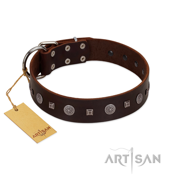 Handy use best quality full grain leather dog collar with studs