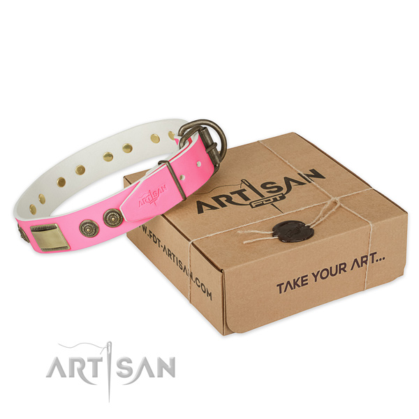 Reliable decorations on dog collar for comfortable wearing