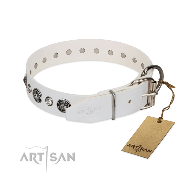 Top notch Full grain natural leather dog collar with rust-proof traditional buckle