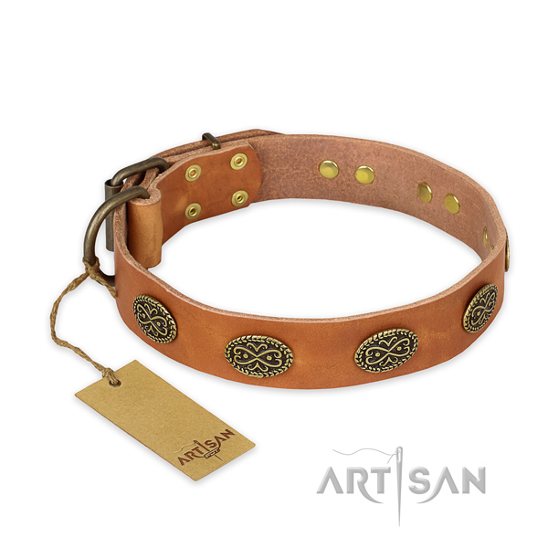 Easy adjustable natural genuine leather dog collar with strong hardware